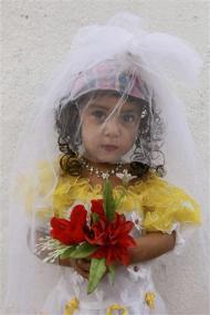 fiancee aged 3