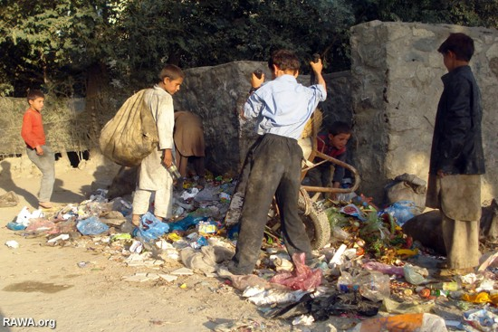 Poor children in Kabul