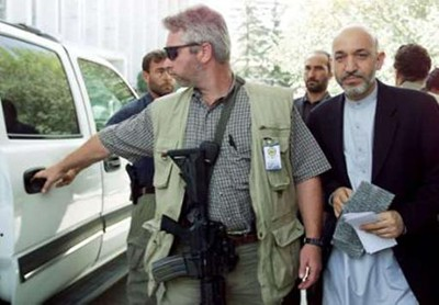 Karzai with his US guards