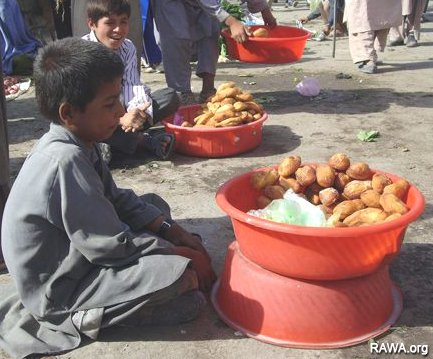 Kabul in gap of poverty and destitution