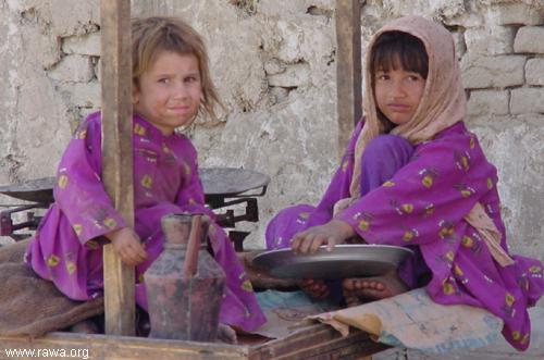 kabul girls. Kabul: Two small girls