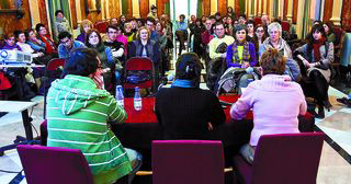 La charla se desarrolló en el Teatro Principal