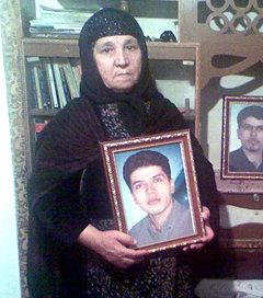 مادر قهرمان فرزاد کمانگر