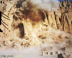 Taliban destruction of the world's largest Buddha statue, image:rawa.org