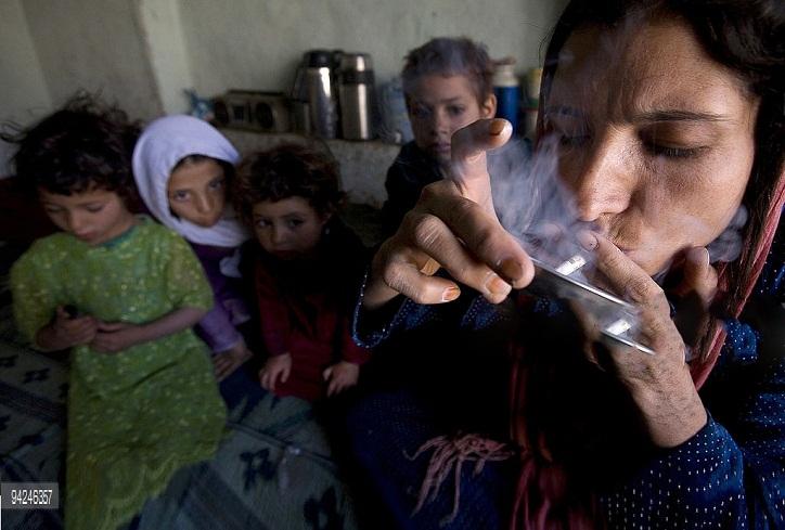 Addicted women in Daikundi