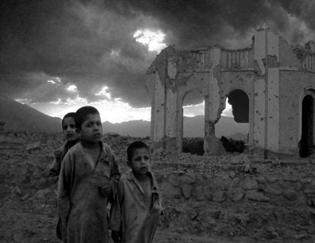 afghan_children_war_victim.jpg
