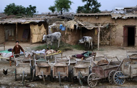 afghan_refugees_working_in_pakistan.jpg