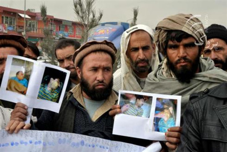 More than a hundred people rallied in Kabul against the execution of death-row Afghans in Iranian jails in December 2011