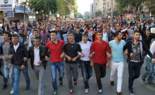 Twin blasts in Ankara on pro Kurdish protest  on October 10 2015