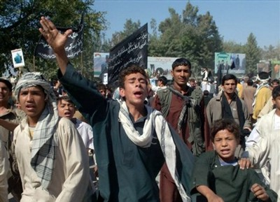 Afghan demonstrators shout anti- Taliban slogans
