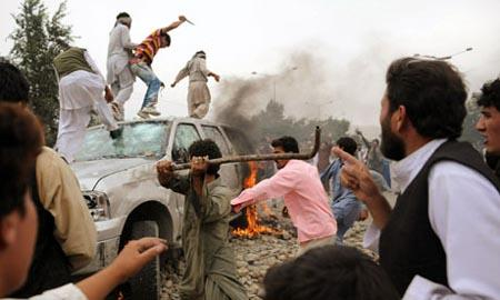 Angry mob in Kabul burn SUV of US embassy after it hit a car and killed four people