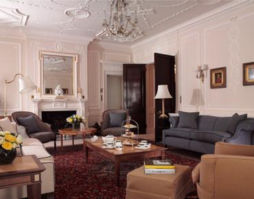 A luxury room of Claridges