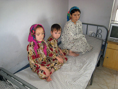 Family addicted in Mazar