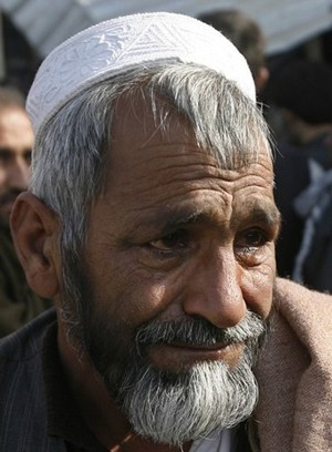 Father of slain Afghan boy cries