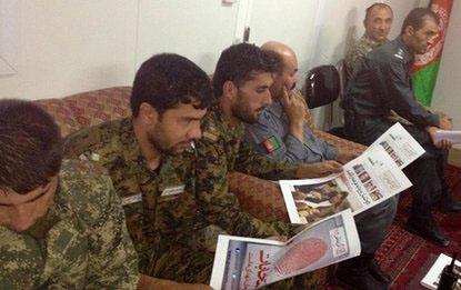illiterate_afghan_army_members.jpg
