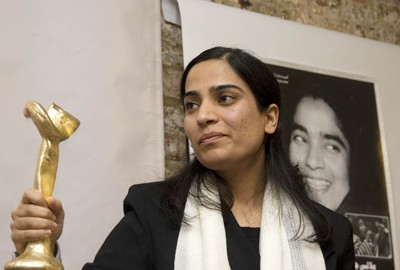 Malalai Joya receives Anna Politkovskaya courage award in London on Oct.6