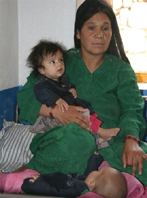 Afghan mother in Daikundi