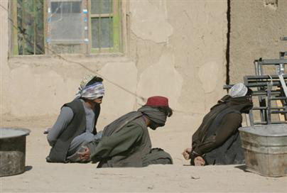 Afghan detainees in compound at Canadian base