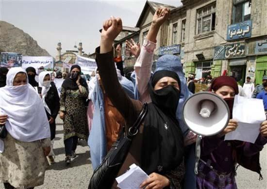 Women protest the killing of civilians in Helmand by US forces