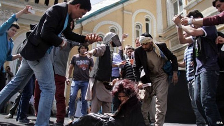 Protesters staged a re-enactment of Farkhunda's murder
