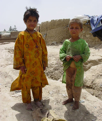 Over 700 families are living in a IDPs camp in Charahi Qambar area of Kabul. The livings conditions of people in this camp are deplorable and they say neither government nor any NGO provide help to them so their children are starving